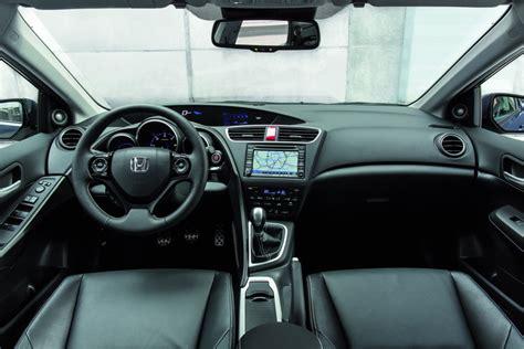 Honda Civic Tourer Interior by New 2014 Honda Civic Tourer Commences Mass Production In