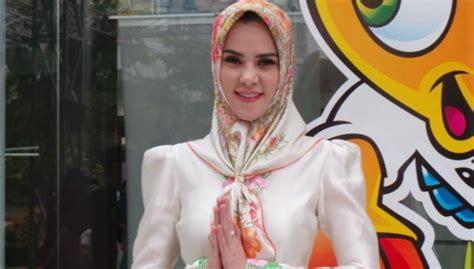 tutorial hijab angel lelga penggunaan hijab sesuai bentuk wajah tutorial pashmina