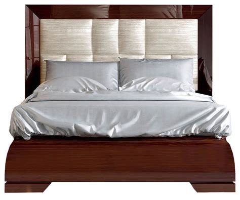 Modern Headboards For King Size Beds by Modern Bed In Walnut Lacquer Finish King Size Bed