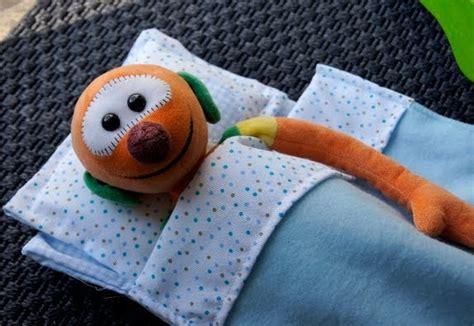 come fare un lenzuolino per culla la forma delle nuvole lettino per le bambole fai da te