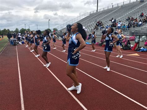cheerleading lee high school huntsville city schools