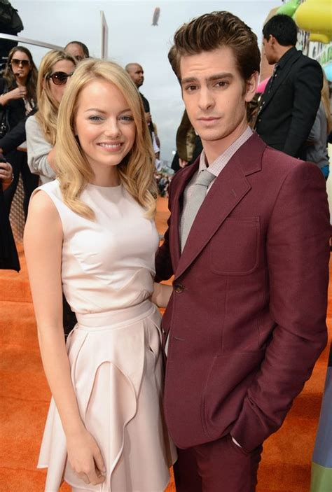 emma stone và andrew garfield emma stone and andrew garfield make red carpet couple