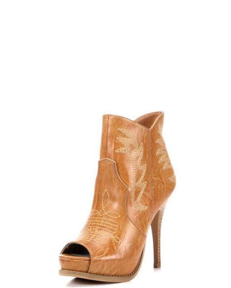 miranda lambert cowboy boots 25 best ideas about miranda lambert boots on