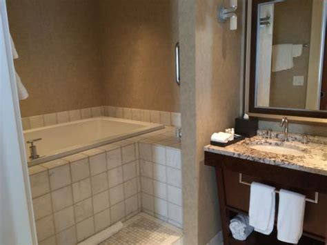 atlanta hotels with tubs in room tub picture of renaissance atlanta midtown hotel atlanta tripadvisor