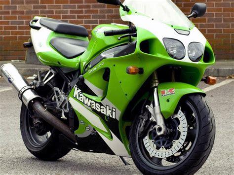 2000 Kawasaki Zx7r by Kawasaki Zx7r 1996 Aftermarket Road Fairing Kit