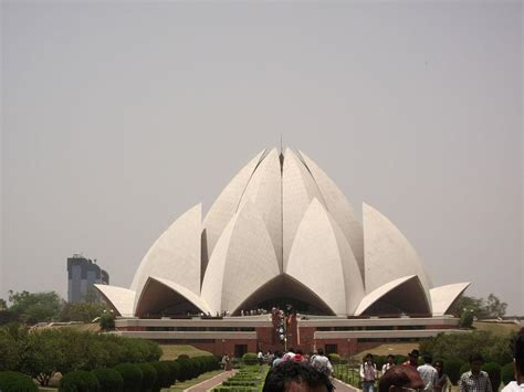 lotus temple address 10 fatcs about lotus temple new delhi india timings