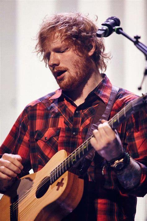 ed sheeran new guitar 25 best ideas about ed sheeran on pinterest ed sheeran