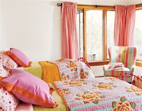 Matching Bedroom Ls by Colorful Small Bedroom Decorating Ideas