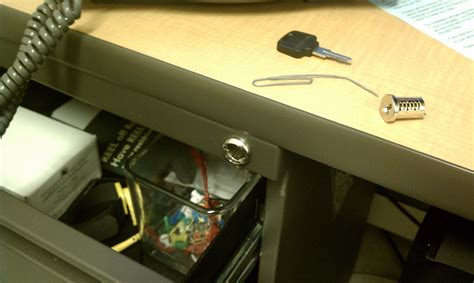 How To Desk Lock by Dismantling A Desk Drawer Lock With A Paper Clip Undrblog