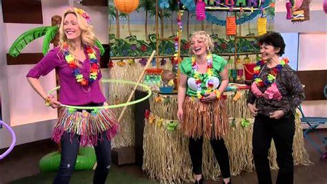 hawaiian themed party games fun games for your hawaiian party youtube