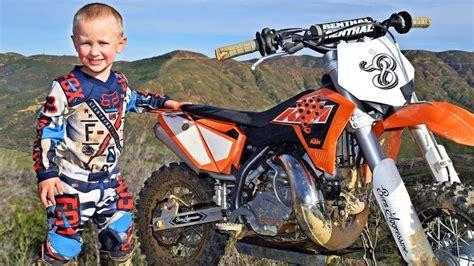 Motorrad Videos Cross by 4 Year Old Biker Is A Motocross Superstar Youtube