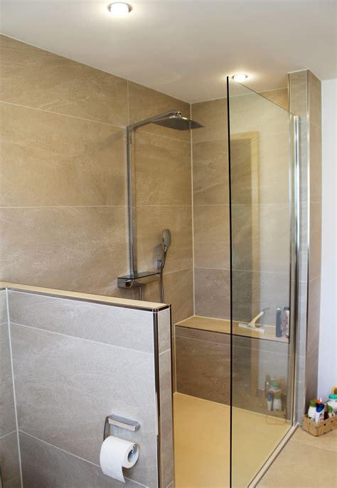 sitzbank dusche ger 228 umiges duschbad in sandsteinton