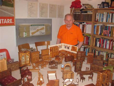mobili miniatura paderno in mostra i mobili in miniatura di giacomo fasoli