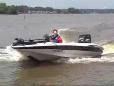 boat crash you tube bass boat crash youtube