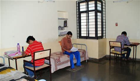 iit roorkee hostel rooms boys hostel kle dr m s sheshgiri college of engineering and technology