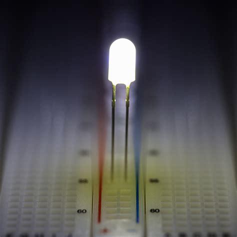 white led 5mm 5mm cool white through led 7350k t1 3 4 led w