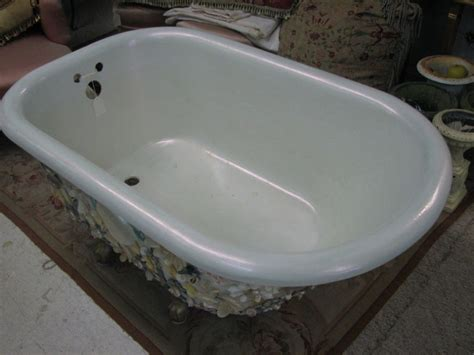 european bathtub 19th century hand shelled european bathtub at 1stdibs