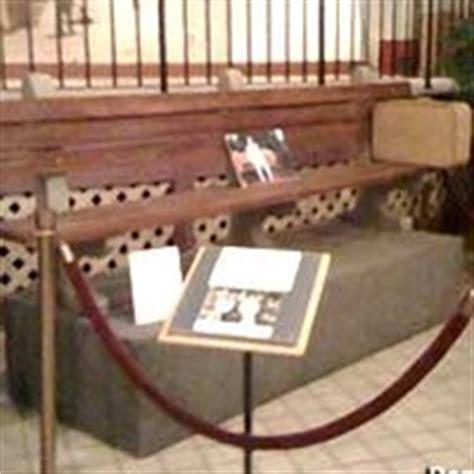 savannah history museum forrest gump bench savannah ga forrest gump s bench