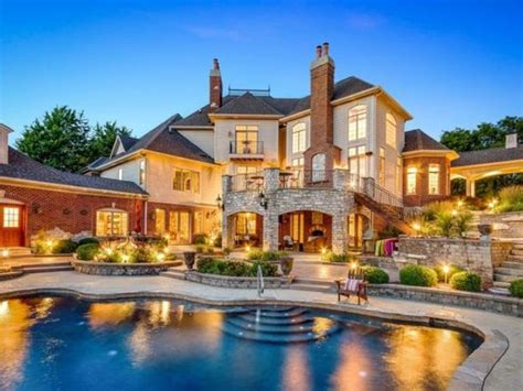 treehouse  expense spared mansion illinois wow