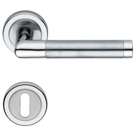 White Interior Door Handles Door Handle H4730 White Interior Satin Chrome Chrome And Nickel Door Handles Villahus Co Uk