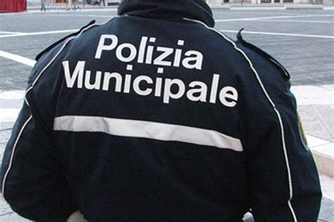 ufficio contravvenzioni napoli ischia arrestato maresciallo della polizia municipale