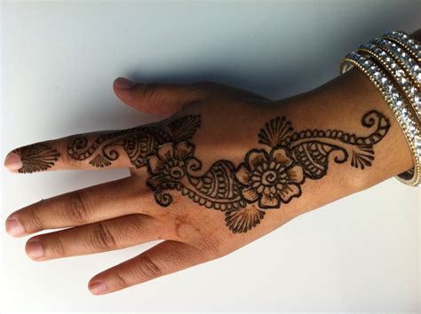 easy to do henna tattoo designs how to do a simple henna design