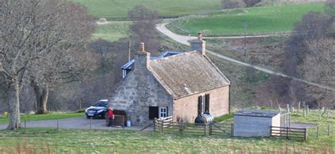advantages of booking a cottage in scotlandholiday