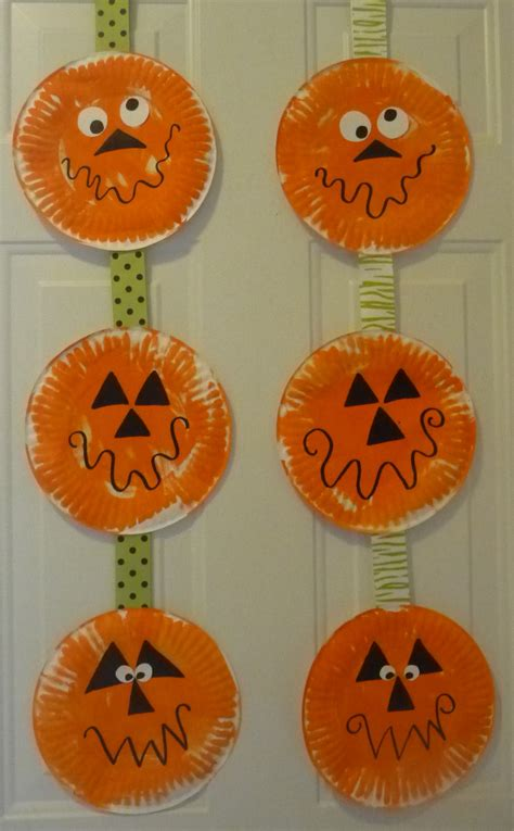Paper Plate Pumpkin Craft - paper plate pumpkins daycare crafts