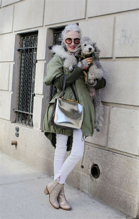 paris women over 40 chic fashion short hair trendy paris street style women over 40 and 50