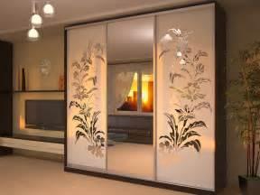 шкаф с рисунком на стекле