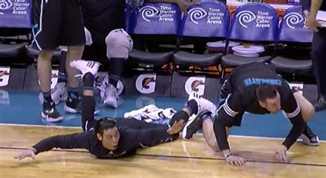 jeremy lin benched watch hornets players lose their minds after marvin