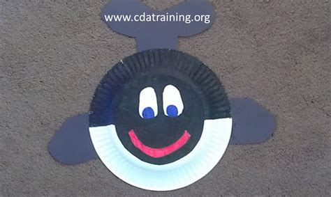 Whale Paper Plate Craft - preschool whale crafts
