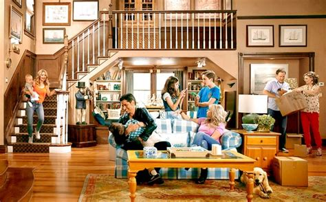 full house couch back on the couch filming for fuller house season 2 has