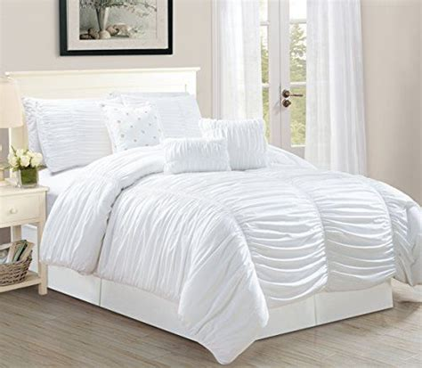 king size ruffle comforter 1000 ideas about ruffled comforter on pinterest