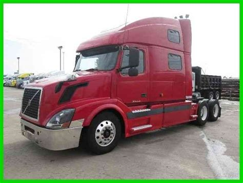 volvo semi truck sleeper volvo vnl64t 2004 sleeper semi trucks