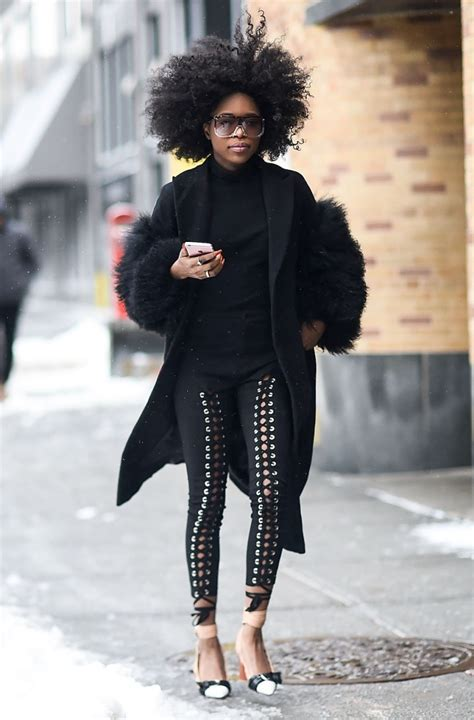 lori harvey hiding from paparazzi what to wear with leggings 15 outfit ideas stylecaster