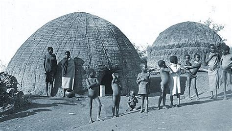Xhosa Hutte by Huise In Suid Afrika