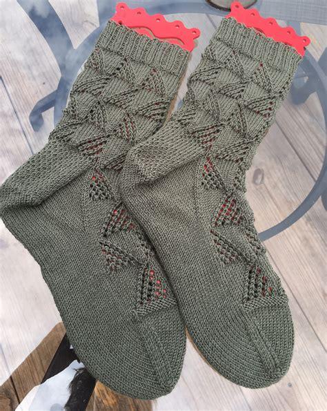 shark socks pattern knitting shark slippers knitting pattern 28 images knit gray