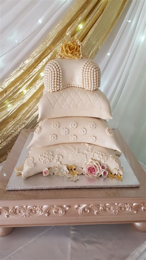 Wedding Reception Cakes by Traditional Cakes Mulberry Cakes And Cupcakes