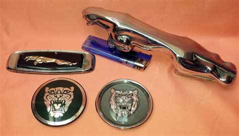 kavel 4 jaguar items