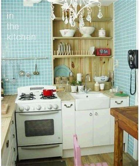 Low Budget Kitchen Decorating Ideas by Small Kitchen Decorating Ideas On A Budget