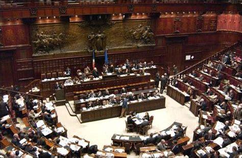 deputati live voto di fiducia al governo berlusconi segui la diretta