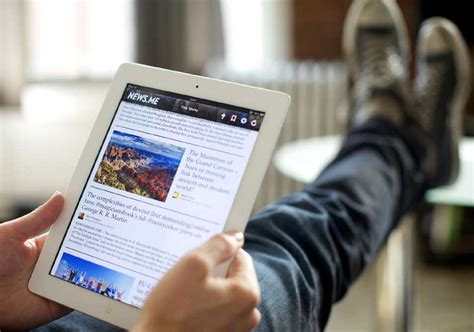 reading on tablet benefits of reading news from sources