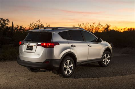 Toyota Rav 4 2014 2014 Toyota Rav4 Reviews And Rating Motor Trend