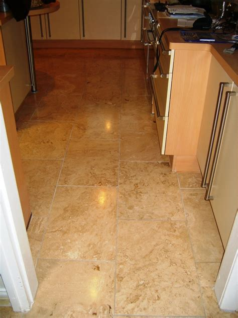 travertine kitchen floor travertine tiled kitchen floor maintained in stockport greater manchester tile doctor