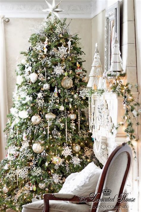 tree silver white:  chrismtas decor decorations white with mercury glass and silver