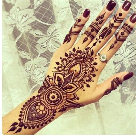 henna tattoo using blackening shoo the 25 best ideas about black henna on henna