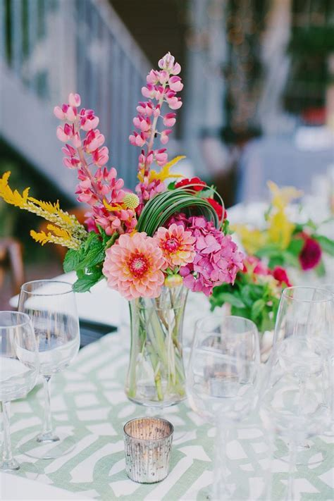 Best 25  Colorful centerpieces ideas on Pinterest