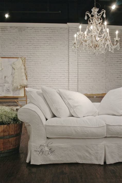 17 best ideas about shabby chic sofa on shabby