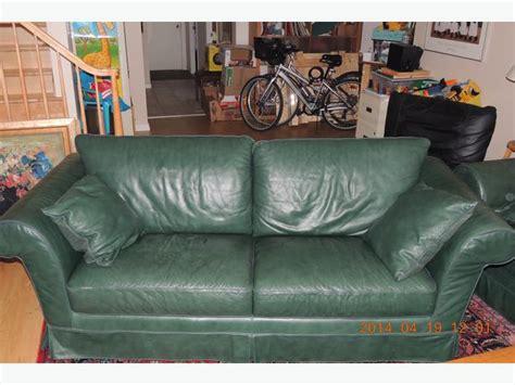 dark green leather couch natuzzi dark green leather sofa montreal montreal